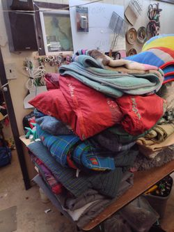 30 Blankets Quilts Comforters Thumbnail