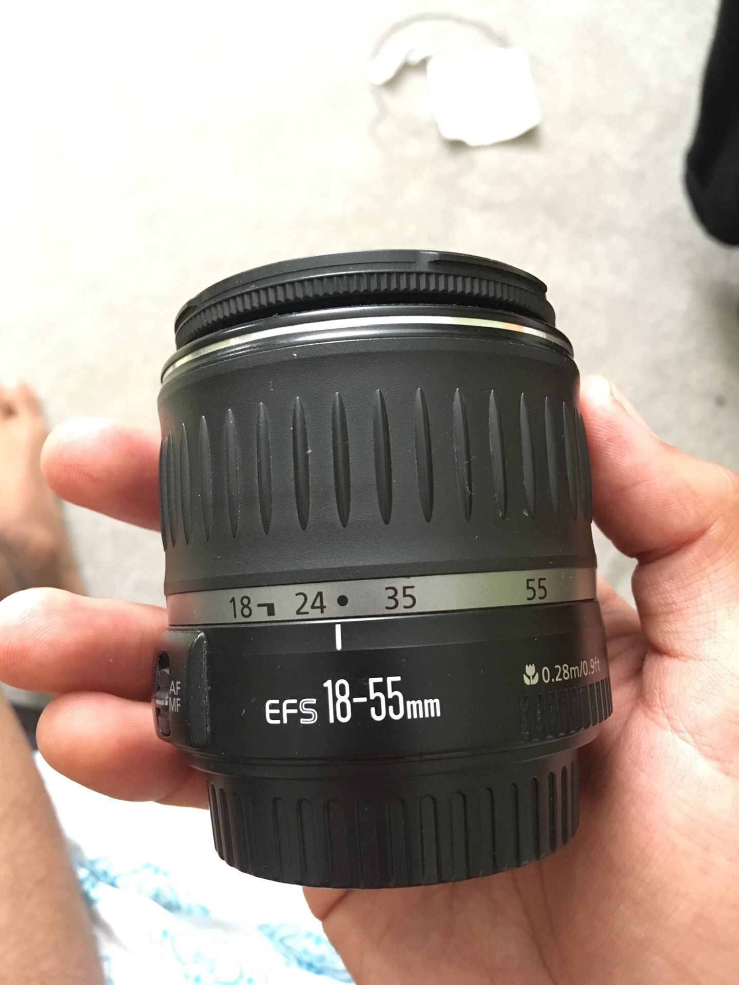 Canon EFS 18-55mm camera lens