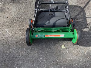 20 inch push and pull mower for Sale in Damascus, MD