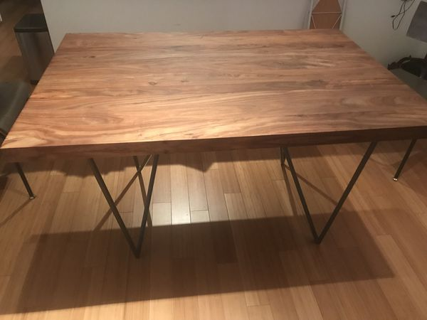 Like New Cb2 Dylan Dining Table 36x53 For In York Ny Offerup