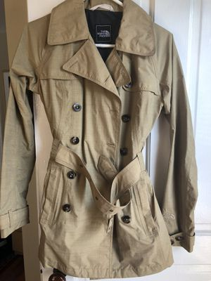 North Face tan color trench, double breasted with belt. Great for fall/ spring for Sale in North Bethesda, MD