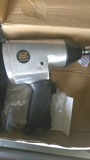 Central Pneumatic 1/2 air impact wrench for Sale in Orlando, FL