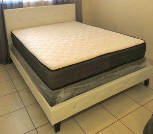 Photo White Diamond bed whit matress and box . Brand new