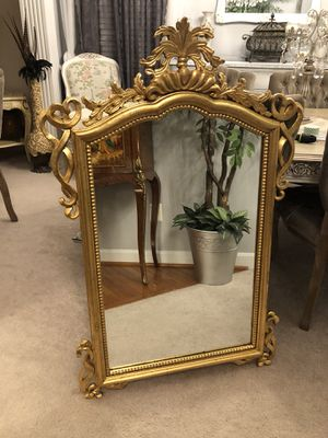 "46""X32"" large Antique Italian golden wood mirror for Sale in Gainesville, VA"