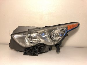 2014-2017 Infiniti Qx70 Driver Side (Left) Headlight Complete for Sale in Houston, TX