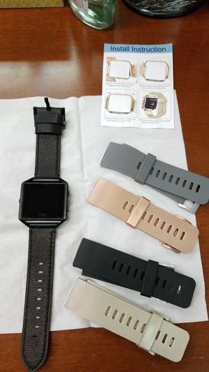 Fitbit Blaze with 4 extra straps and charger! for Sale in Washington, DC