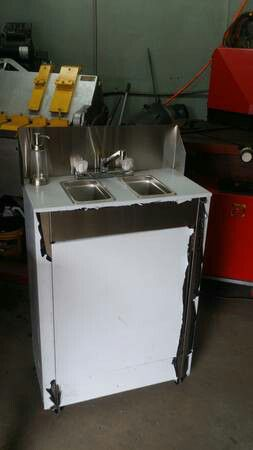 PORTABLE PROPANE STAINLESS STEEL SINK for Sale in Philadelphia, PA