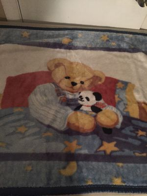 Baby boy - crib fleece bear blanket for Sale in Norfolk, VA