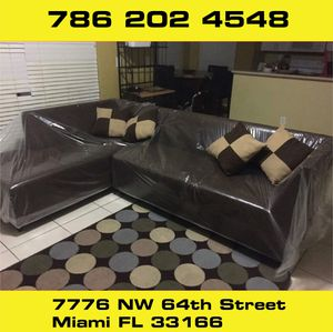 Dark brown sectional sofa for Sale in Medley, FL