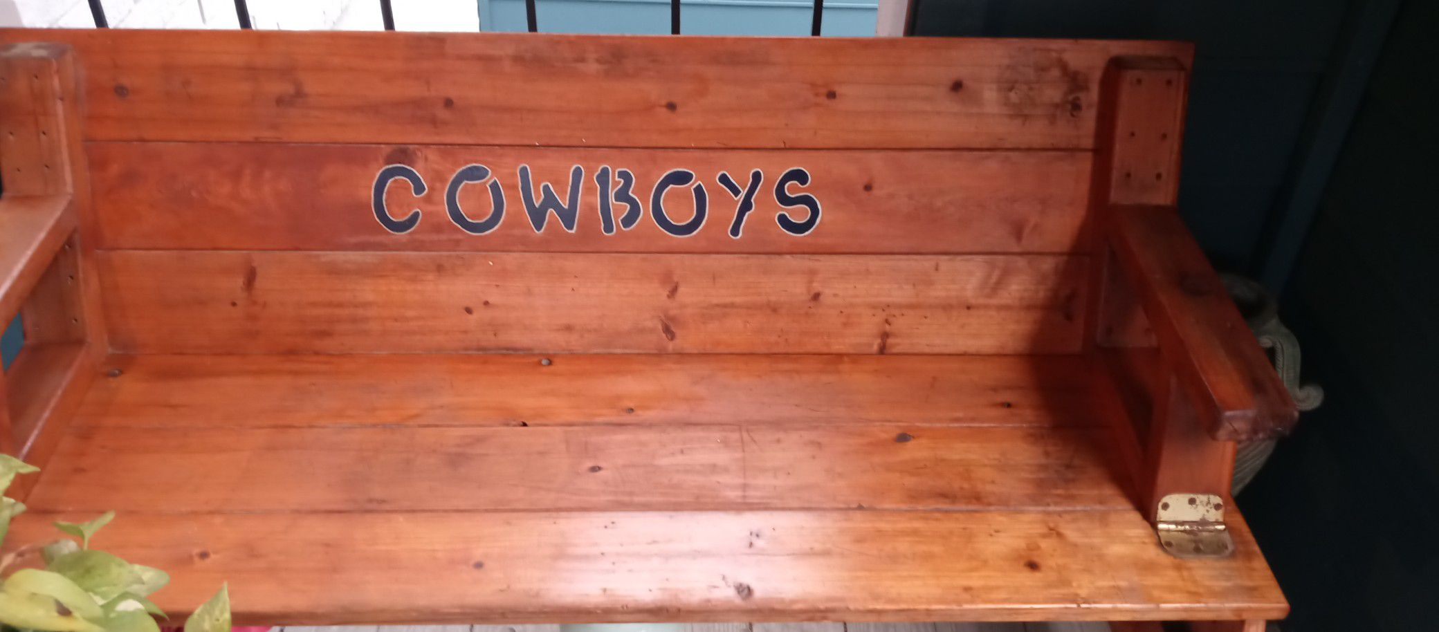 It's a bench of the Dallas Cowboys