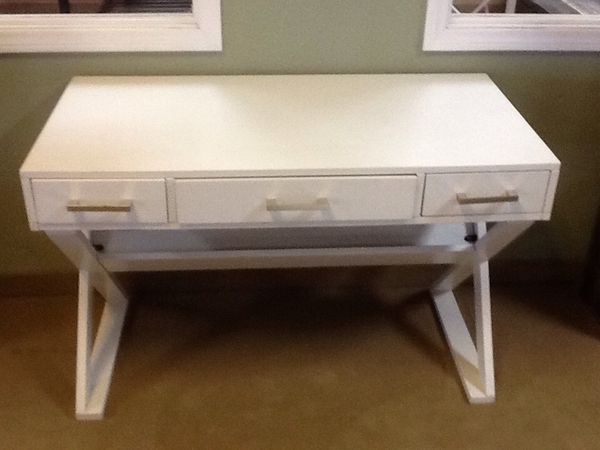 Floor Model White Desk Wyckes Furniture For Sale In San Diego Ca