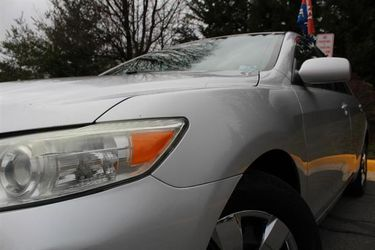 2010 Toyota Camry Thumbnail