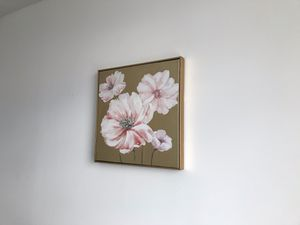 2x Flower Paintings with gold frame for Sale in New York, NY