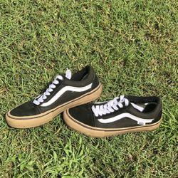 Black Low Top Vans Thumbnail