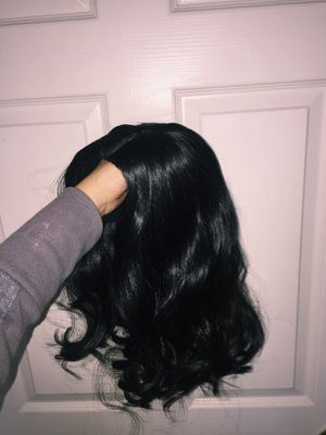 Beautiful curly wig for Sale in Kissimmee, FL