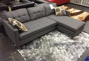 Brand New Grey Linen Sectional Sofa Couch + 2 Accent Pillows for Sale in Wheaton-Glenmont, MD
