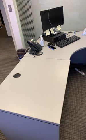 Office desk for Sale in Chevy Chase, MD