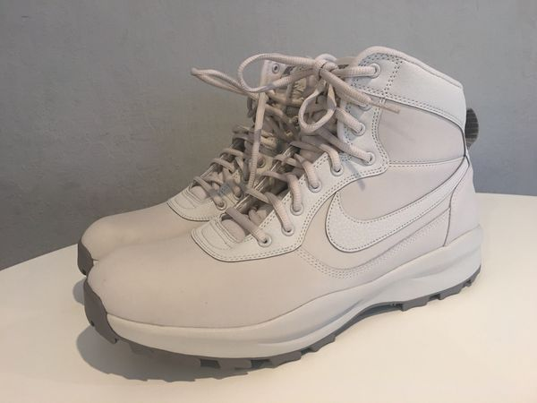 premium selection f0c3c 0df3b Men s Nike Manoadome Leather Winter Boots. Light Bone Dust Colorway. Brand  New