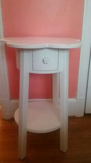 Cube shelves for sale in charlotte nc offerup flower top bedside table for sale in charlotte nc watchthetrailerfo