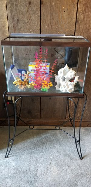 20 gallon high aquarium and accesories for Sale in Manassas, VA