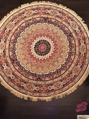 Silky 8' x 8' round rug- light weighted- brand new for Sale in Falls Church, VA