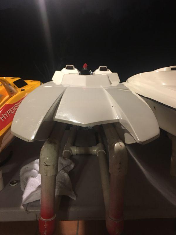 Aeromarine cat RC boat for Sale in Hialeah, FL - OfferUp