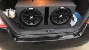 Photo Two kicker comp 15s and 2000 watt amp
