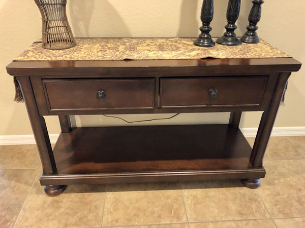 Entry table or sofa table furniture in goodyear az offerup watchthetrailerfo