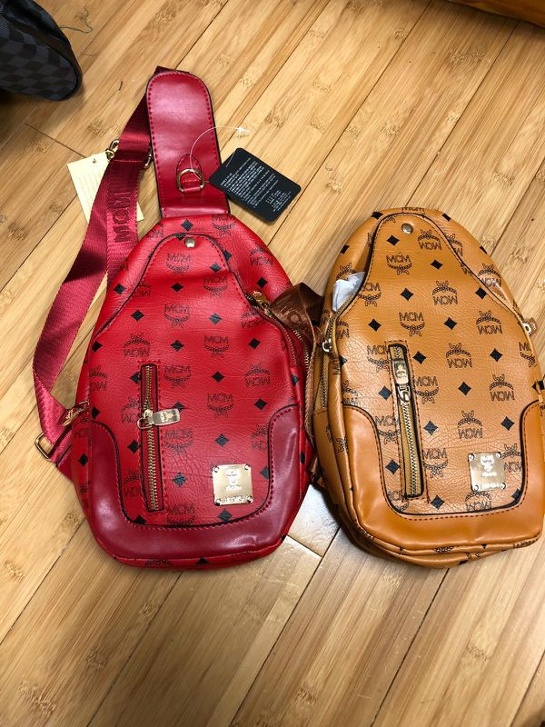 34f26250bf85 Gucci shoe Fendi pack belt for Sale in New York