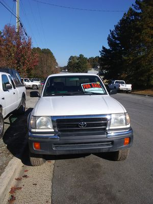 99 tacoma v6 2wd for Sale in Durham, NC