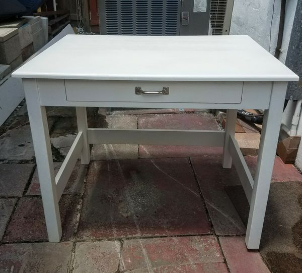 White Wooden Work Desk W 1 Wide Drawer In Good Condition Just Repainted 30 Tall 26 Deep 36 Furniture Boynton Beach Fl Offerup