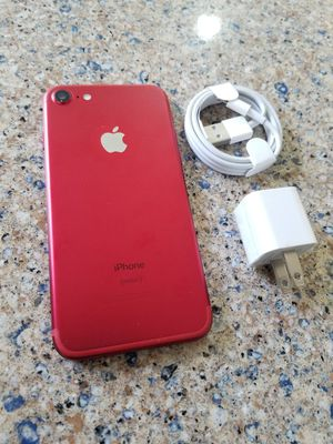Photo UNLOCKED IPHONE 7 128GB RED, ( THIS IS NOT THE PLUS) PERFECT CONDITIONS !!! PRICE IS FIRM !!!