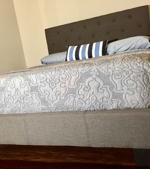 New Gray Tufted Queen Bed for Sale in Chevy Chase, DC
