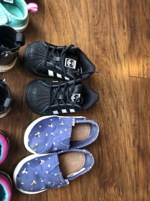 Girl shoes toddler 5-6 for Sale in Manassas, VA