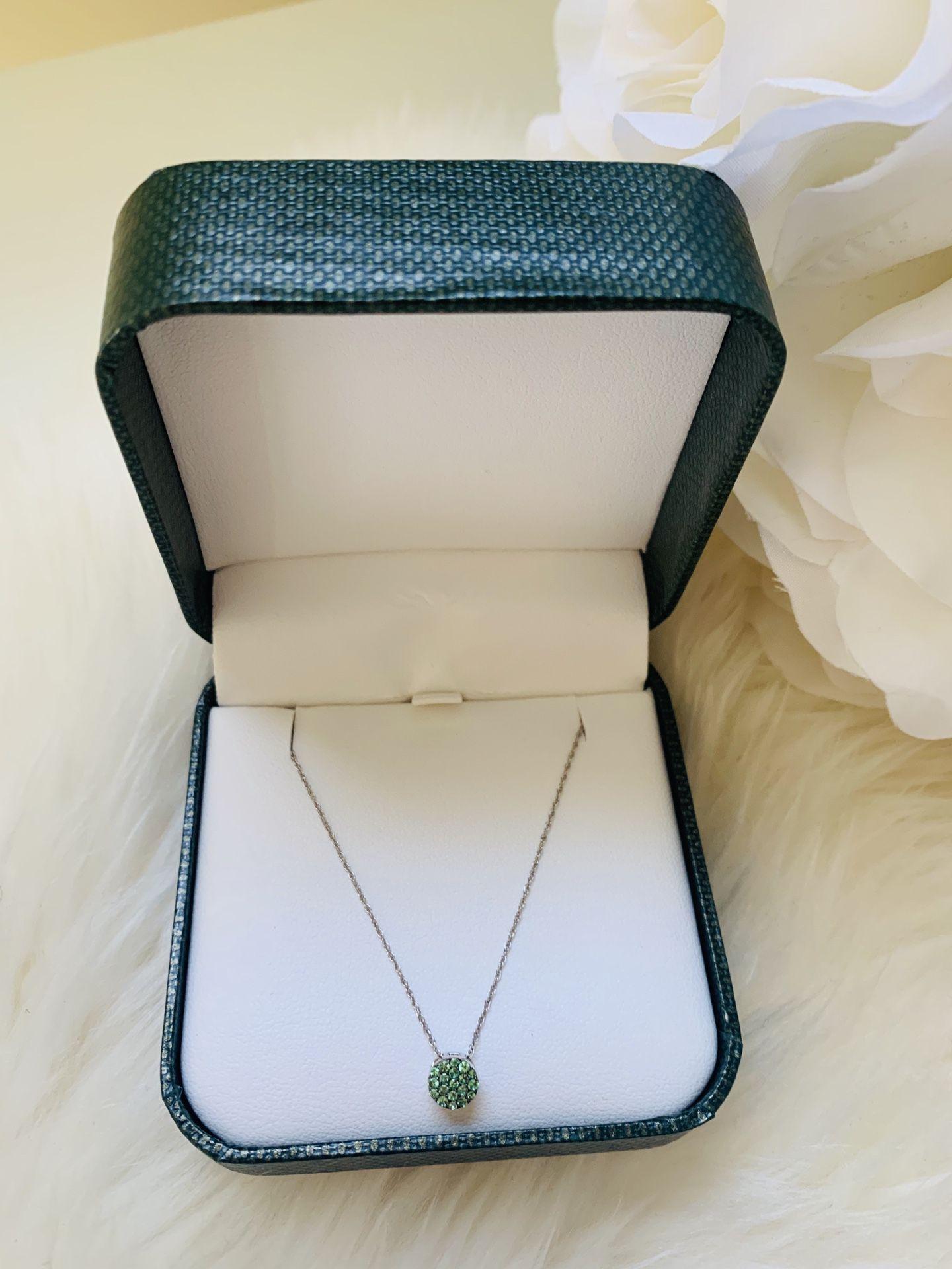 Necklace for Women Light Green Emerald
