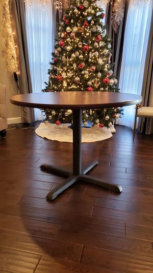 Kitchen table (Small dining table) for Sale in Fairfax, VA