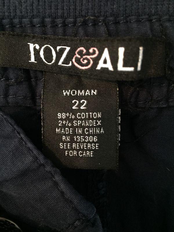 08a33470d8 Roz   Ali(dress barn) size 22 Capri pants for Sale in Shelton