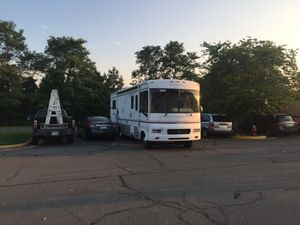 2002 Ford F550 Motor Home 49k miles like a new for Sale in Aldie, VA