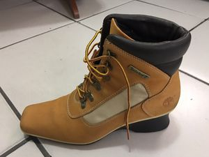 Timberland boots, genuine leather, size 8 made in Vietnam. Good condition. for Sale in Miami, FL