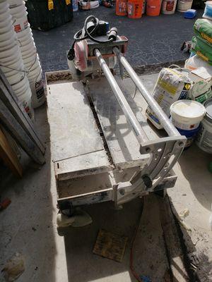 rubi ds 250 Professional Tile wet saw for Sale in Pembroke Pines, FL