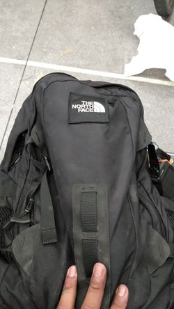 North face back pack not to big or to small perfect for bike riding hikeing Thumbnail