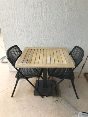 Outdoor Dining Table & Chairs for Sale in Miami, FL