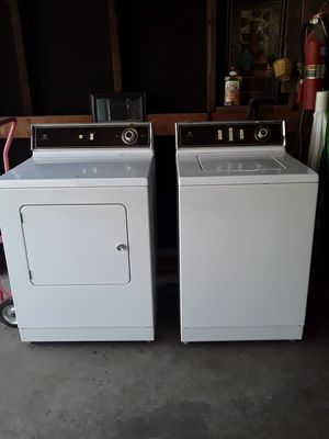 Photo Maytag washer/ electric dryer