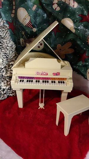 1981 Barbie Piano(Plays Music) for Sale in Woodstock, IL