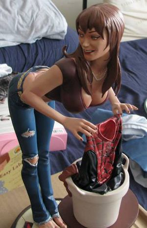 Sideshow Collectibles Mary Jane statue Spiderman Marvel for Sale in Kissimmee, FL