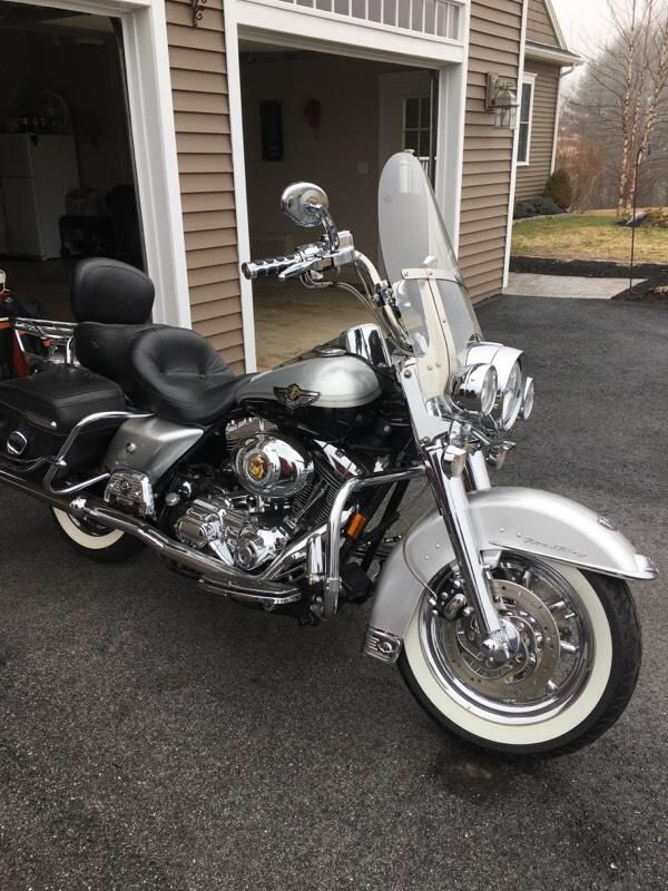 2003 harley davidson road king classic anniversary edition. 28,800 miles. lots of extras $8900. firm