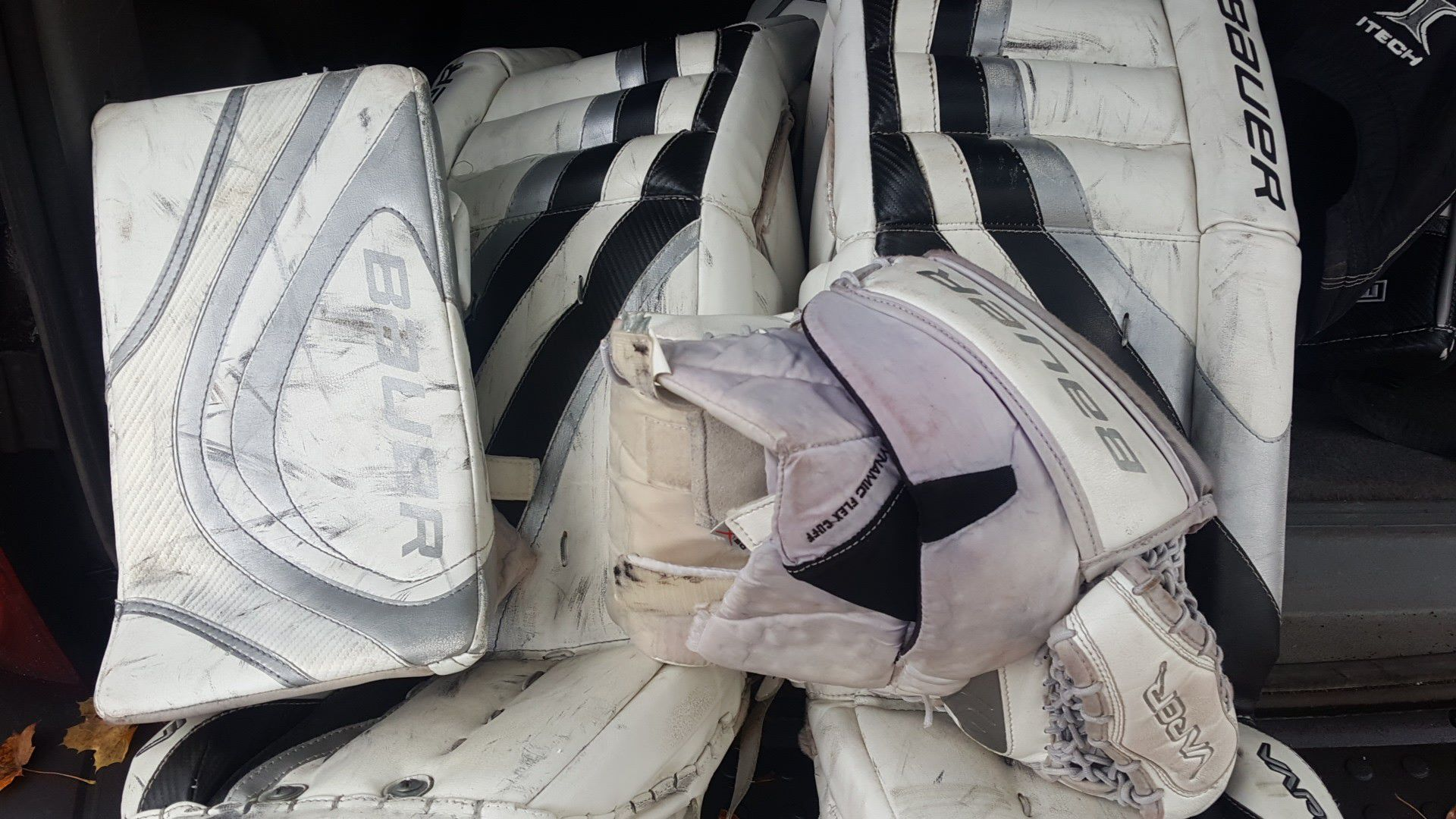 Bauer hockey pads and gloves