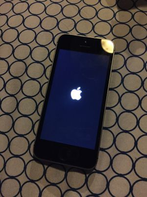 iPhone 5 SE locked for Sale in Baltimore, MD