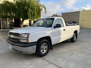 Photo 2004 Chevy Silverado Pick Up Truck