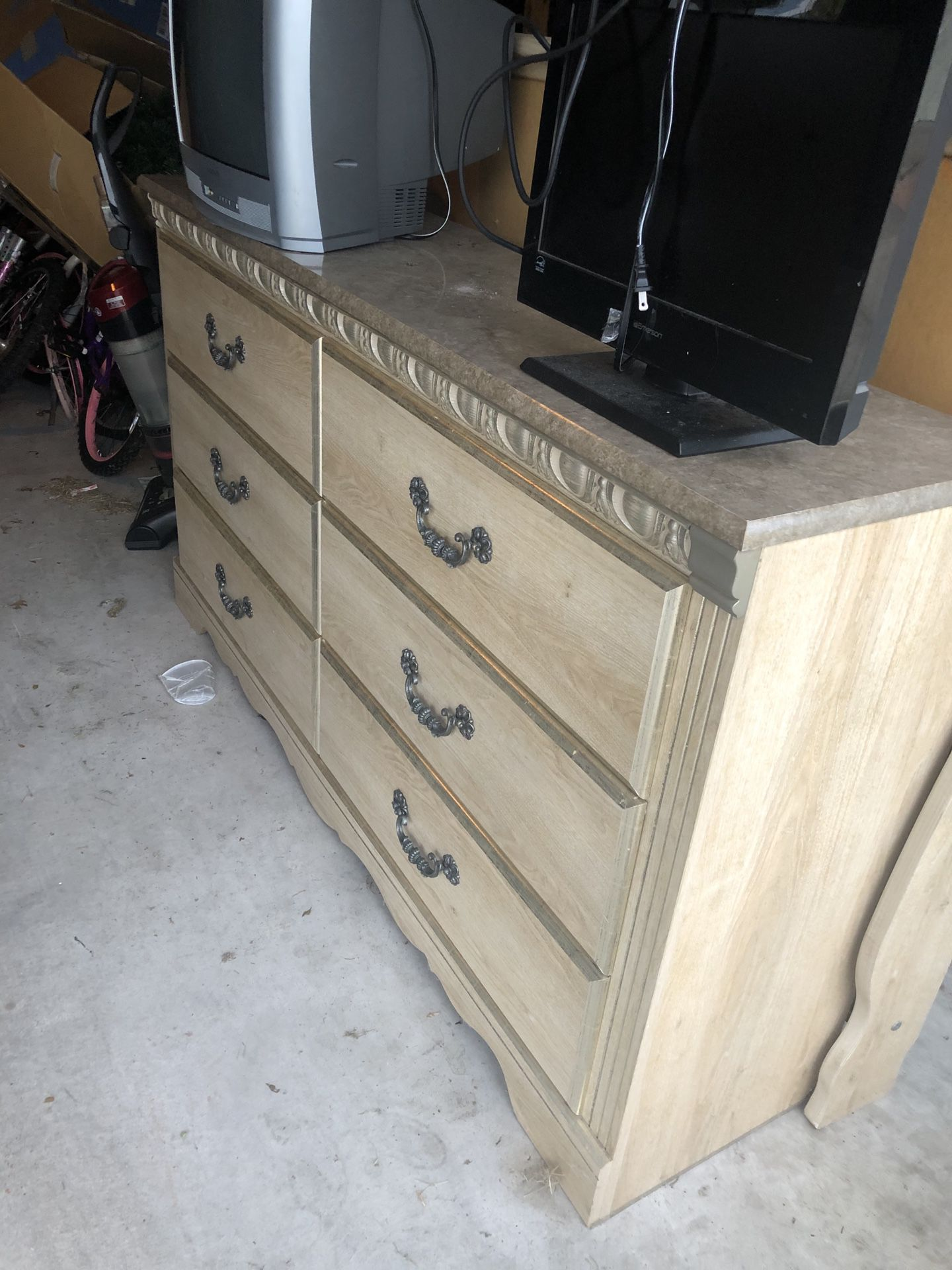 3 Piece Wood queen bed set